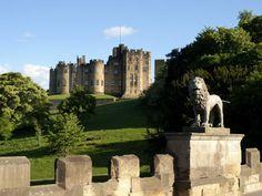 Visit Downton Abbey's Most Beautiful Filming Locations Visit Downton Abbey, Downton Abbey Movie, Alnwick Castle, Leeds Castle, Castles In Ireland, Germany Castles, Real Castles, England Fans, Neuschwanstein Castle