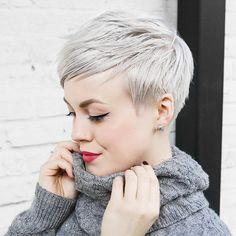 50 best styling ideas for the Pixie Haircut - new hair cuts Long Pixie Cuts, Short Pixie Haircuts, Cute Hairstyles For Short Hair, Pixie Hairstyles, Short Hair Cuts, Short Hair Styles, Hairstyles 2018, Woman Hairstyles, Blonde Hairstyles
