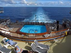 Tucked away on Deck aft, the smaller heated Terrace Pool offers views off the back of the ship. Glacier Bay National Park, National Parks, Golden Princess, Tongass National Forest, Movies Under The Stars, Cruise Offers, World Cruise, Helicopter Tour, Princess Cruises