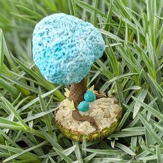 Bottle Cap Gardens  #BottleCap #cute #garden #kawaii #Miniature #mushroom #plants #recycle #Small #Suuculents #tree #unique:separator: Purple Succulents, Garden Features, Garden Plants, Baskets, Stuffed Mushrooms, Recycling, Miniatures, Gardens, Kawaii