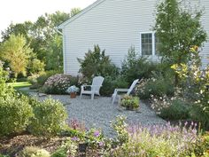 gravel landscaping | ... filled the space with pea gravel. That's all. So simple, so effective