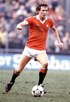 English Football League Division One Notts County v Manchester United John Gidman Manchester United Legends, Manchester United Players, Man Utd Squad, English Football League, Rugby Men, Premier League Champions, How To Treat Anxiety, Retro Football, Best Club