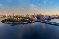 Recife, a cidade brasileira das pontes. (via Lúcia Soler,  no Facebook).