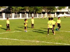 YOUNG KIDS FOOTBALL TRAINING,TEACH THEM YOUNG IN SPORTS