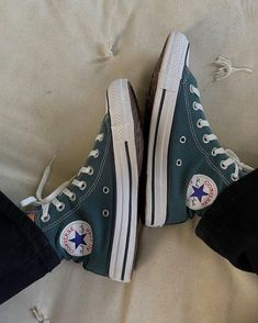 Swag Shoes, Converse Shoes, Aesthetic Shirts, Gucci Shoes, Shoe Collection, Chuck Taylor Sneakers, Me Too Shoes, High Top Sneakers, Autumn Fashion