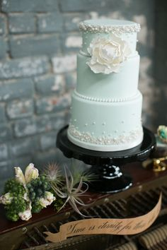 Mint wedding cake | mint wedding