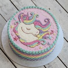 20 Ideas Birthday Cupcakes For Girls Pretty Pastel 2020 Cupcake Birthday Cake, Birthday Cake Girls, Unicorn Birthday Parties, Cupcake Cakes, Girl Cupcakes, Buttercream Cake, Savoury Cake, Pretty Cakes, Cake Designs