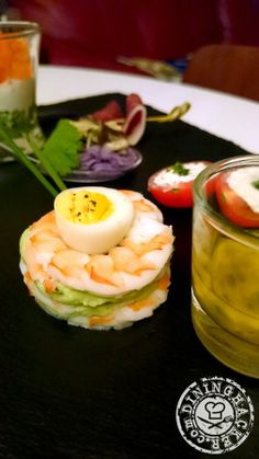 """New year's diner - starter """"Millefeuille of shrimps & avocado cream with passion fruit sauce"""""""