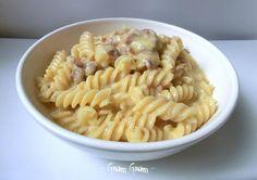 Pasta con ragù di salsiccia, zucca e besciamella | Ricetta