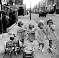 Vintage girl's dresses - Promenade in Portobello, 1954 - Ken Russell - Via BBC Photos Vintage, Vintage Children Photos, Vintage Girls, Vintage Black, Old Pictures, Old Photos, Tableaux Vivants, Ken Russell, London People
