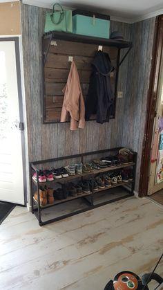Kapstok en schoenenkast zelf gemaakt