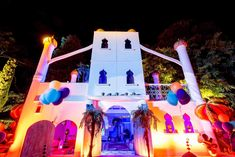 Arabian castle construction for arabisant night decoration for a kids birthday party near Cannes - French Riviera. Available everywhere in france, Europe, Porto Cervo Cannes, Monaco, Cap D Antibes, Courchevel 1850, France Europe, Animation, Kids Events, Paris, French Riviera