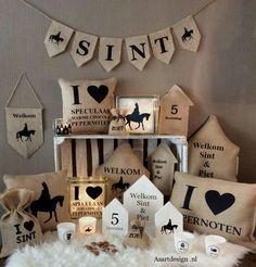 Holiday Crafts, Holiday Decor, Saint Nicholas, Silhouette Cameo Projects, Interior Design Living Room, Diy Room Decor, Happy Holidays, Party Time, Diy And Crafts