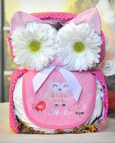 Owl diaper cake - http://www.babyshower-decorations.com/owl-diaper-cake-2.html