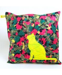 Pillow with applique Cat!  €25,-