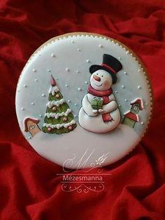 Snowman cookies by Mezesmana Snowman Cookies, Christmas Sugar Cookies, Christmas Sweets, Christmas Goodies, Holiday Cookies, Christmas Baking, Gingerbread Cookies, Christmas Cakes, Christmas Christmas