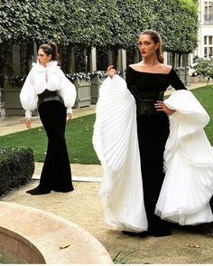 "917 Likes, 4 Comments - Couture Business Dresses Gowns (@couturebusiness) on Instagram: ""By @isabelsanchiscostura #fashion #fashionista #fashionpost #style #stylish#stylishdress #black…"""