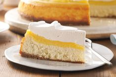 Very Vanilla Custard-Topped Cheesecake – Vanilla is in all the layers…the vanilla wafer crust, the cheesecake, custard topping, and the vanilla-infused COOL WHIP. Kraft Foods, Kraft Recipes, Sour Cream Cheesecake, Best Cheesecake, Cheesecake Recipes, Classic Cheesecake, Vanilla Wafer Crust, Vanilla Custard, Cookie Desserts