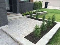 Awesome Paver Patio Ideas with Building Tips That Really Pops Diy Stone Patio Ideas Awesome Paver Patio Ideas Diy Paver Patio Paver Stone Patio Brick Paver Backyard Design, Front Yard Landscaping, Diy Stone Patio, Hardscape, Diy Patio, Pavers Diy, Outdoor Patio Decor