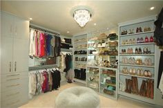 my dream closet . . . .except maybe bright pink and definatley a picture of Marilyn Monroe somewhere . . . .
