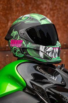Motorcycle Helmet Design, Custom Motorcycle Helmets, Custom Helmets, Motorcycle Gear, Concept Motorcycles, Cool Motorcycles, Moto Design, Star Wars Helmet, Predator Helmet