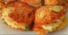 cuketove_placky_recept_nej Vegetarian Recipes, Cooking Recipes, Healthy Recipes, Czech Recipes, Ethnic Recipes, Salmon Burgers, Bon Appetit, A Table, Cauliflower