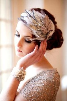 Bride's looped bun with retro 20's Gatsby flapper feather headpiece wedding hairstyle ♔ by circle
