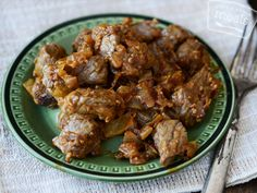 Warm, unctuous and fragrant these Beef Tibs are bathed in a sauce comprised of caramelized onions and berbere, an Ethiopian chili powder, which gives this dish its quintessential flavor. Veal Recipes, Cooking Recipes, Healthy Recipes, Ethiopian Cuisine, Ethiopian Recipes, Ethiopian Bread, Freezer Cooking, Freezer Meals, Charcuterie