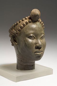 Brass head with crown, Wunmonije Compound, Ife (early 14th century) \\ The sculptural style they created was unlike anything seen in Africa before