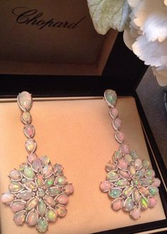 Opal earrings by Chopard that Cate Blanchett wore to the 2014 Oscars