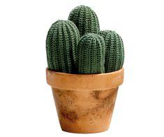 Kaktus - Virkad: as needle/pin cushion Crochet Cactus, Crochet Art, Crochet Patterns, Felt Diy, Felt Crafts, Felt Flowers, Crochet Flowers, Crochet Bouquet, Felt Succulents