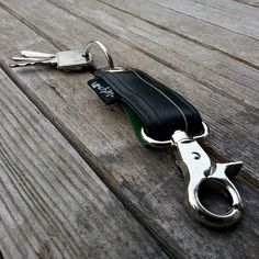 KEY RING made from a reclaimed bicycle tube. by urchinbags