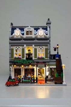 New Lego Parisian restaurant lighting kit is released by liteupblock for all Lego lovers.