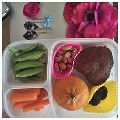 """So my kid has been asking me if I could make her lunches """"more pretty like those pictures on Instagram"""" I told her no lol I make you yummy food to fill you up and help you learn I don't do pretty. But this one did look pretty so her you go baby cakes. Pretty enough to be a picture on Instagram.  #inspire #motivate #balanced  #love #time  #HolisticTimeManagement  #nature #mom #family #planner #coffee #productive #positive #happinesshighpriestess #systems #work #wahm #sahm #mama #planner…"""