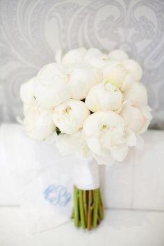 whit peonies... wedding bouquet