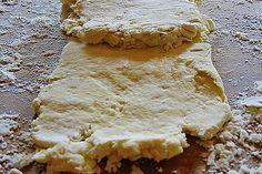 Blitzblätterteig 4 Bake Sale, Apple Pie, Baking Recipes, Coffee Shop, Food And Drink, Vegetarian, Sweets, Bread, Snacks