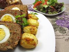 Reteta Rulada de Carne Tocata - poza 3 Baked Potato, Main Dishes, Potatoes, Baking, Ethnic Recipes, Food And Drinks, Main Course Dishes, Entrees, Potato