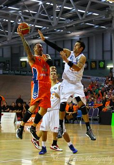 home game - Southland Sharks v Wellington Saints at Stadium Southland. See our website for the story. Basketball Teams, Basketball Court, Park Hotel, Team S, Sharks, Saints, Website, Game, Photography