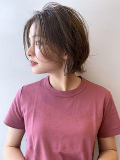 """大人に嬉しい""""ふんわり感""""を叶えてくれるレイヤーボブ in 2020 Elegant Hairstyles, Girl Hairstyles, Hair Inspo, Hair Inspiration, Asian Short Hair, Shot Hair Styles, Aesthetic Hair, Hair Images, Hair Hacks"""