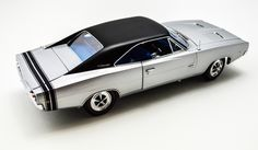 1968 Dodge Charger RT - 1:18 - Silver - Auto World Diecast