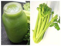 Aceasta este una din cele mai sănătoase băuturi pe care le pute servi vara. Ajută echilibrarea pH-ului corpului – care este de obicei mai mult acid decât alcalin, ca urmare a consumului excesiv de alimente procesate. Nutribullet, Good To Know, Celery, Cocktails, Vegetables, Healthy, Plants, Food, Cholesterol