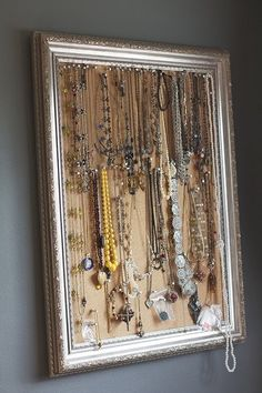 jewelry storage - spray paint old frame and nail cork board to back with pins Necklace Storage, Jewellery Storage, Jewelry Organization, Home Organization, How To Clean Gold, Diy Rangement, Clean Gold Jewelry, Old Frames, Mode Shop