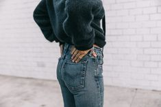 venice_beach-knotted_jumper-levis_jeans-chloe_bag-mango_shoes-horn_necklaces-outfit-street_style-los_angeles-collage_vintage-187