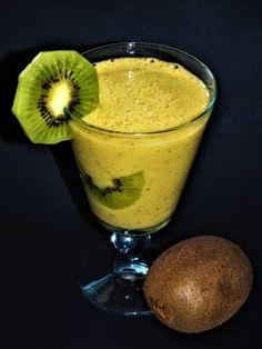 Kiwi smoothie Kiwi Smoothie, Smoothies, Pudding, Homemade, Desserts, Food, Tailgate Desserts, Deserts, Home Made