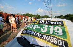 BLOG DO RADIALISTA EDIZIO LIMA: Ativistas defensores da BR 319 fazem protesto pela retomada das obras na estrada federal