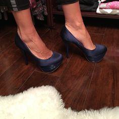 L A M B heels Beautiful LAMB high heel.they are size 6 1/2. Brand new LAMB Shoes Heels