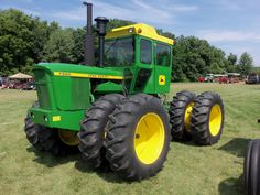 Do not remember seeing a 175hp 7520 from the time it was built from 1971-74 because it was too big for our area.Do remember seeing the 146hp 7020 in 1975 tho.Ironically Fred Drumm of Drummland Farms got a 8440 in 1979 which we saw.During the same time Norman W Allen the local J I Case dealer did get a 176hp 2470 in