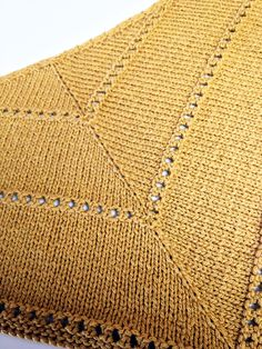 Free knitting pattern :: The Age of Brass and Steam Kerchief