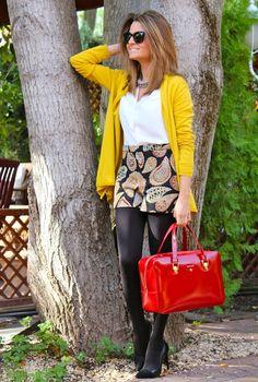 Fashion and Style Blog / Blog de Moda . Post: Burgundy & Mustard / Burdeos y Mostaza .More pictures on/ Más fotos en : http://www.ohmylooks.com/?p=25111 .Llevo/I wear: Shorts : Zara (New collection) ; Jacket /Chaqueta : Zara (New collection) ; Necklace / Collar : Zara (New collection) ; Sunglasses /Gafas de sol : Hartford vía Navarro óptico ; Bag/Bolso : BARADA ; Shoes / Zapatos : Pilar Burgos (New collection)