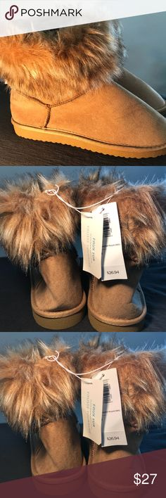 ❄️NEW Old Navy Snow Boots❄️ ❄️NEW Old Navy Snow Boots❄️ W/ Tags Never Worn✨ Warm & Cozy♥️ Old Navy Shoes Winter & Rain Boots